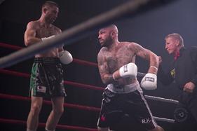 2013-11-16 Gladstone Boxing 1885