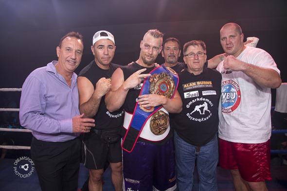2013-11-16 Gladstone Boxing 3610