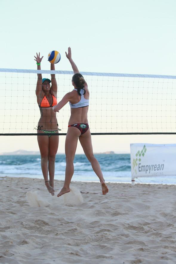 2013-12-21 Beach Volleyball 630