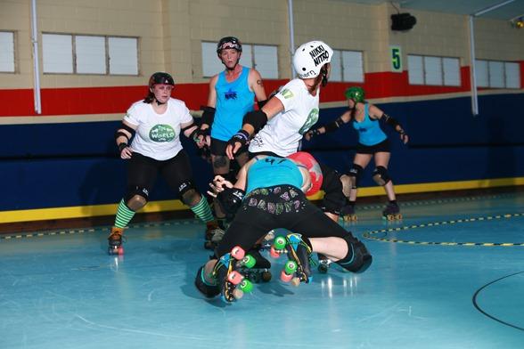 2014-04-13 SCAR Roller Derby 1112