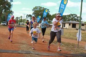 2015-04-18 Yuleba HKLN Marathon