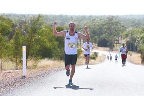 2015-04-18 Yuleba HKLN Marathon 4700236 083